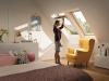 Velux Standard - felső kilincses fa tetőtéri ablak